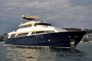 motor yachts med opi conquistador
