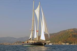 sailing yachts med opi ofelia